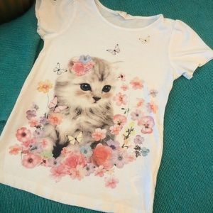 ADORABLE kitty tshirt in perfect condition